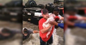 Locals Help in Rescuing Father and Children after Their Car Flipped During Deadly Flash Flood